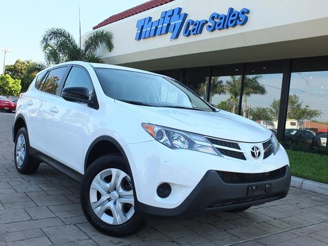 2013 Toyota RAV4 LE White AUTOMATIC STILL UNDER FACTORY WARRANTY and  4WD  With th
