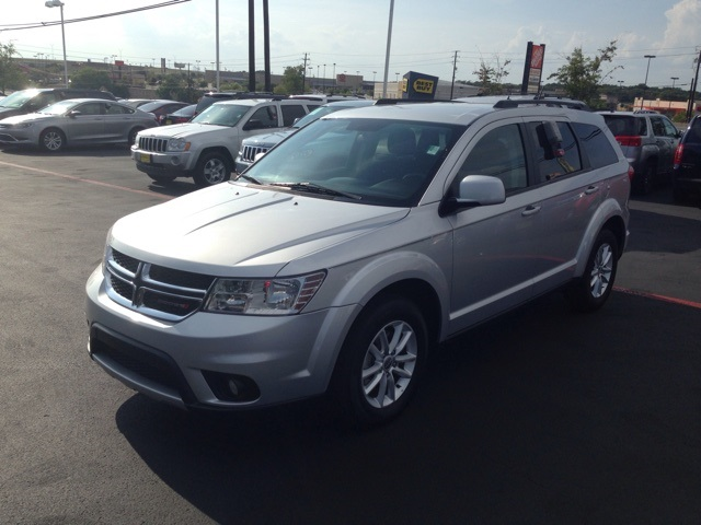 2014 Dodge Journey SXT Silver CLEAN CARFAX HISTORY REPORT CERTIFIED WARRANTY Powerful and e