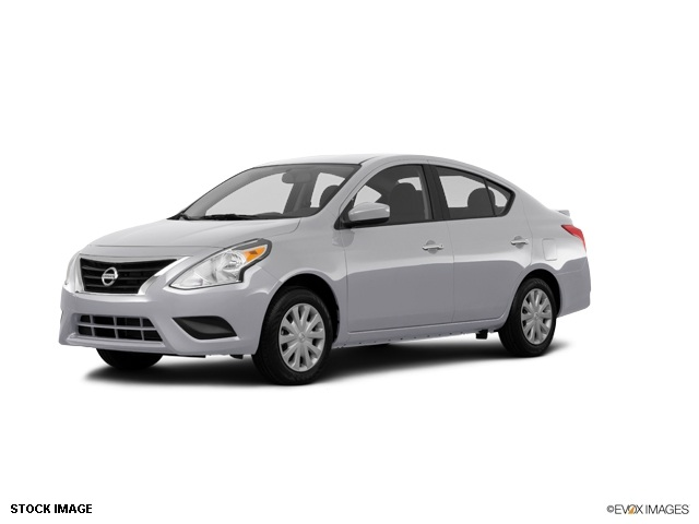 2015 Nissan Versa 16 SV Silver 15 Steel Wheels wFull Wheel CoversAdjustable Front Bucket Seats