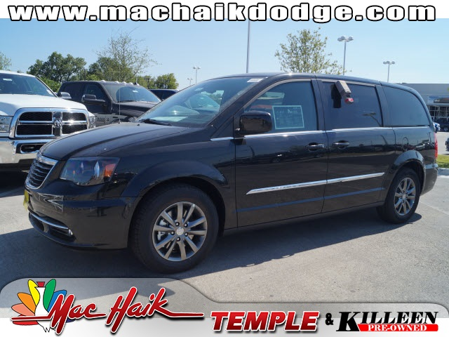 2015 Chrysler Town  Country S Black Price includes 500 - Southwest Chrysler Capital 2015 Bonus
