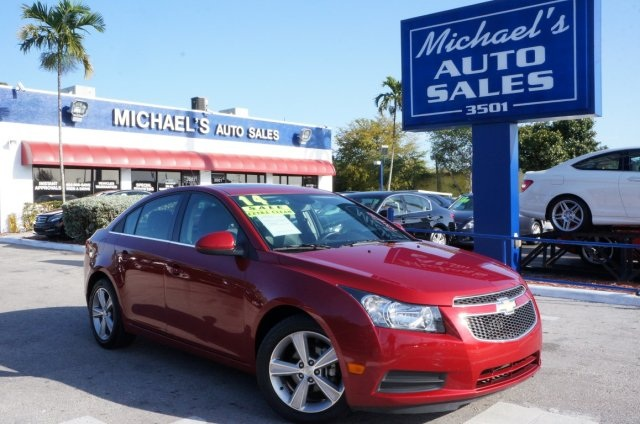 2014 Chevrolet Cruze 2LT Auto Red Red and Ready Turbocharged Want to stretch your purchasing