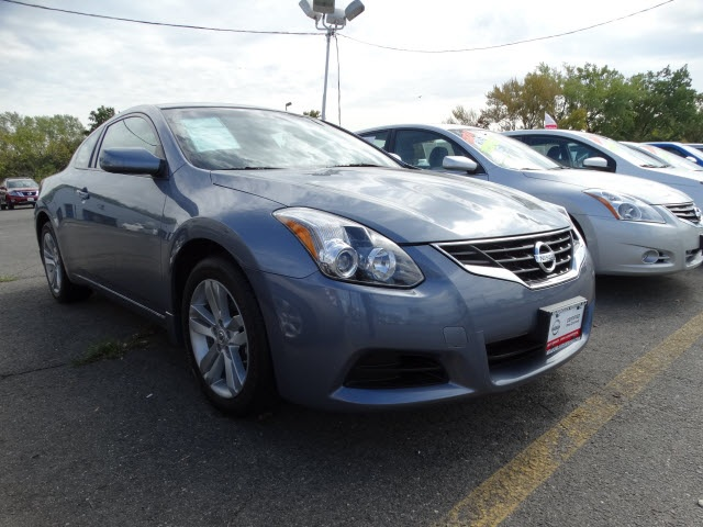 2012 Nissan Altima 25 S Blue Nissan Certified and CVT with Xtronic Nice car Talk about a deal