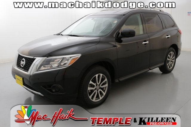 2013 Nissan Pathfinder SV Black CLEAN CARFAX HISTORY REPORT 26 MPG HIGHWAYPut down the mous
