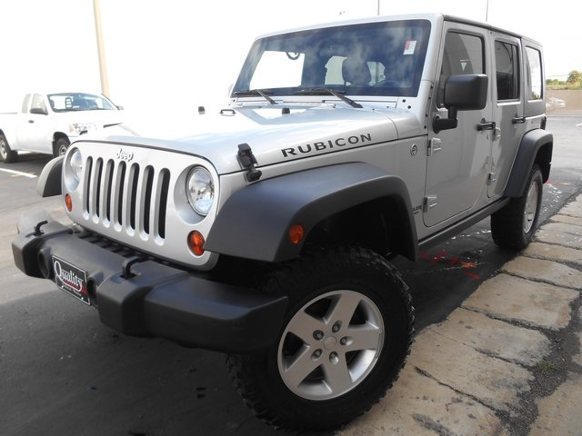 2011 Jeep Wrangler Unlimited Rubicon Silver One Owner Great VALUE Be as playful as you want to