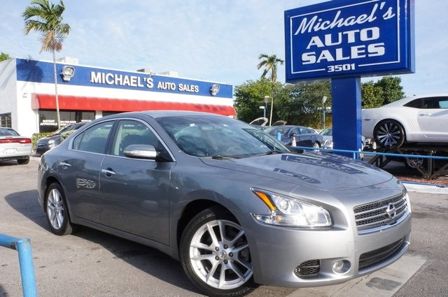 2011 Nissan Maxima 35 S Gray Dont wait another minute The Michaels Auto Sales EDGE Dont p