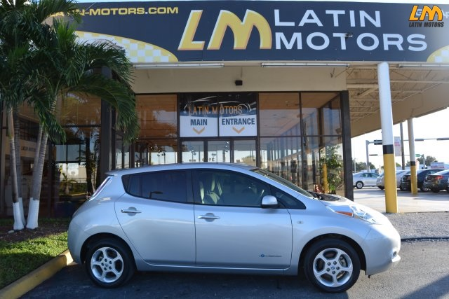 2012 Nissan Leaf Silver  WE FINANCE EVERYONE  ONE OWNER  NO ACCIDENTS  LIKE NEW  U