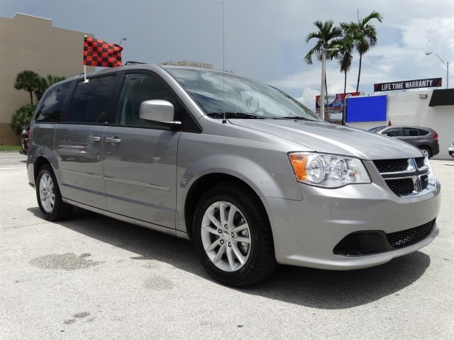 2014 Dodge Grand Caravan SXT Gray CLEAN CARFAX ONE OWNER LOW MILES NON-SMOKER