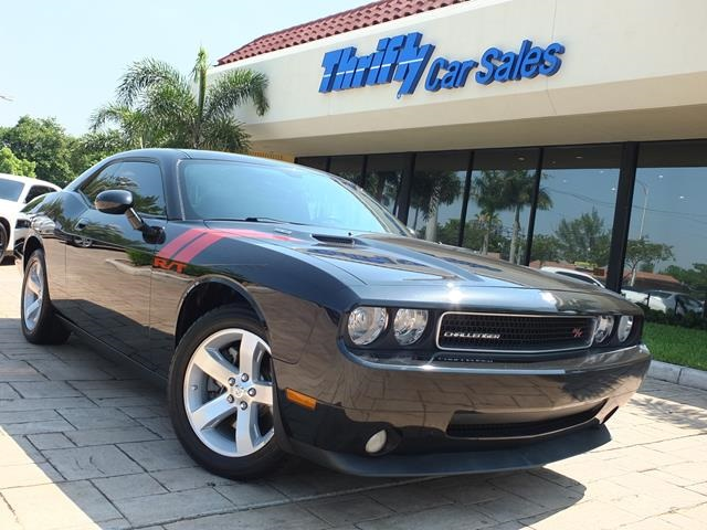 2009 Dodge Challenger RT Black ACCIDENT FREE CARFAX LOW MILES  BEST COLOR COMBINATIO