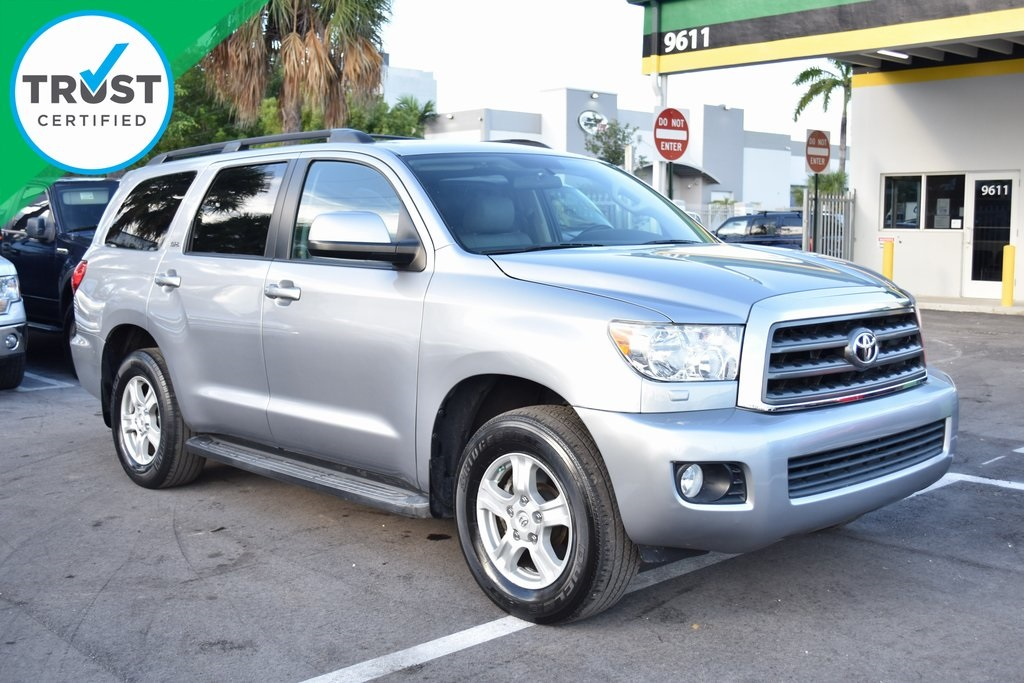 2012 Toyota Sequoia SR5 Silver ONE OWNER BE AWARE THAT THIS VEHICLE IS PRICED 1078 UND