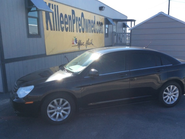 2010 Chrysler Sebring Limited Black Clean CARFAX LEATHER and a BUDGET PRICE If youve been