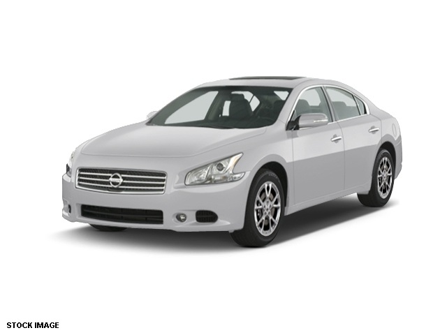 2014 Nissan Maxima 35 SV Silver 18 Aluminum Alloy WheelsLeather-Appointed Seat TrimAMFMCDMP