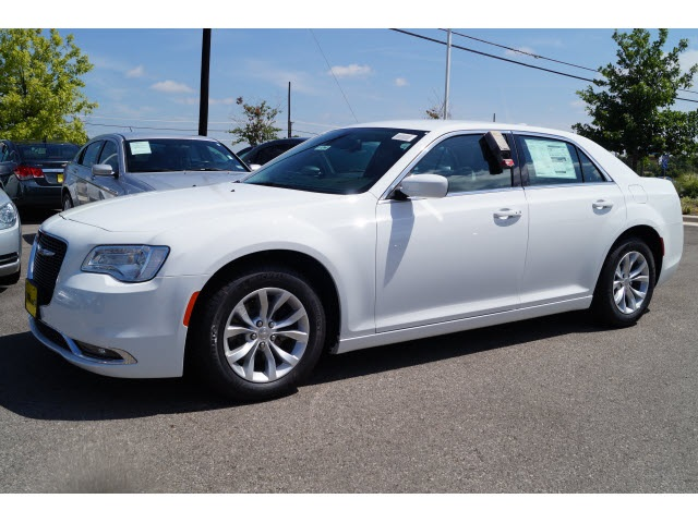 2015 Chrysler 300 Limited White Price includes 2500 - SW Retail Consumer Cash  63C1 Exp 11