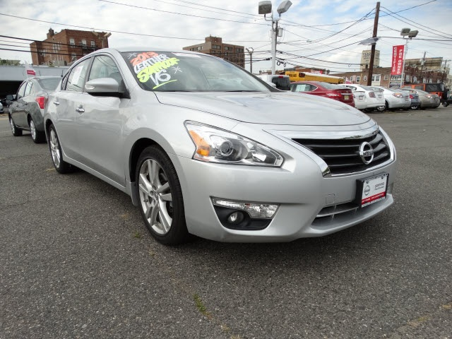2013 Nissan Altima 35 S Nissan Certified and CVT Xtronic Welcome to Paramus Nissan You NEED to s