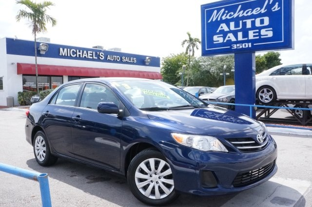 2013 Toyota Corolla LE Blue 99 POINT SAFETY INSPECTION CLEAN CARFAX and PRICE REDUC