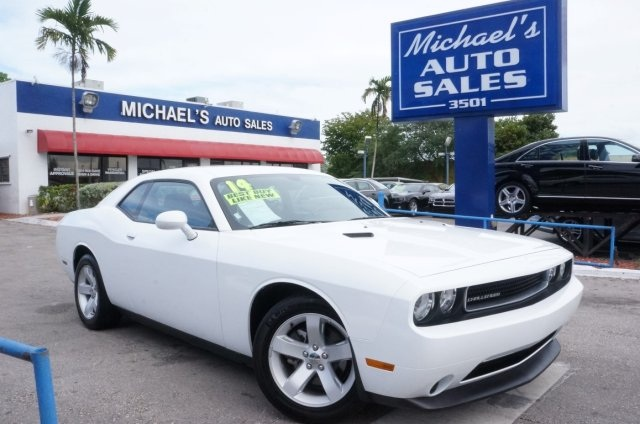 2014 Dodge Challenger SXT White 99 POINT SAFETY INSPECTION CLEAN CARFAX AUTOMATIC