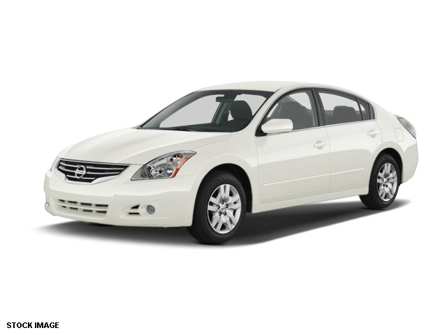 2012 Nissan Altima 25 S White CVT with Xtronic With such a quiet cabin its like a protected ha