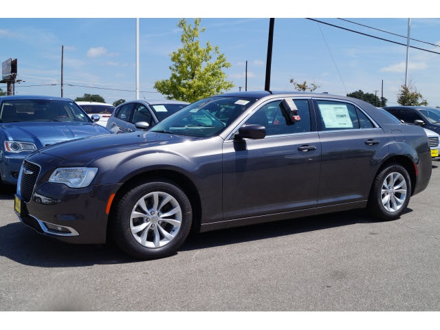 2015 Chrysler 300 Limited Gray Price includes 2500 - SW Retail Consumer Cash  63C1 Exp 110