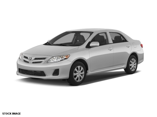 2012 Toyota Corolla LE Silver Drives like a dream Gauges are engineering goodness Comfort suspen