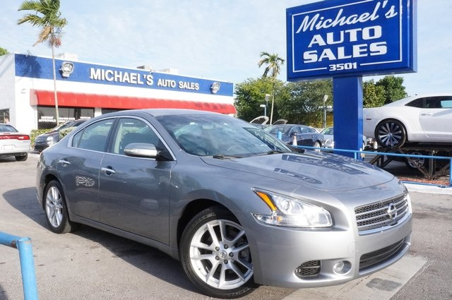2011 Nissan Maxima 35 S Gray Wow Where do I start ATTENTION Confused about which vehicle