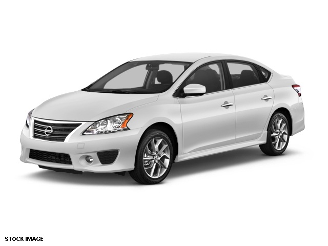 2014 Nissan Sentra SR White Front Bucket SeatsPremium Sport Cloth Seat TrimAMFMCD Audio System