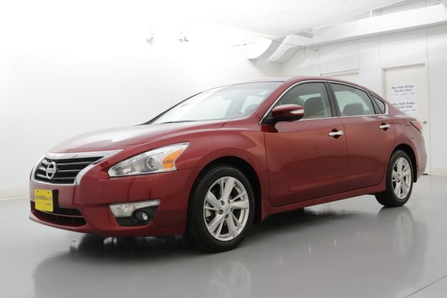 2014 Nissan Altima 25 SL Red POWER SUNROOFMOONROOF CLEAN ONE OWNER CARFAX HISTORY REPORT