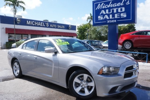 2012 Dodge Charger RT Silver STOP Read this Get ready to ENJOY Want to save some money Get