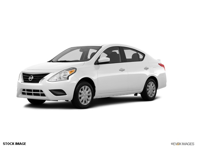 2015 Nissan Versa 16 SV White 15 Steel Wheels wFull Wheel CoversAdjustable Front Bucket Seats