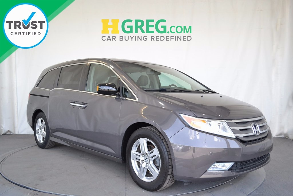 2012 Honda Odyssey Touring Gray BE AWARE THAT THIS VEHICLE IS PRICED 4684 UNDER Kelley Blue