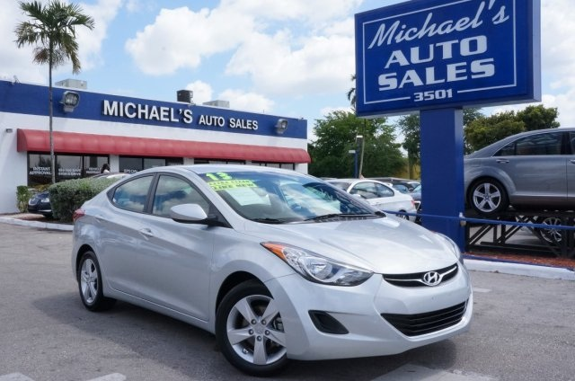 2013 Hyundai Elantra Limited Silver Silver Bullet Dont let the miles fool you Are you still