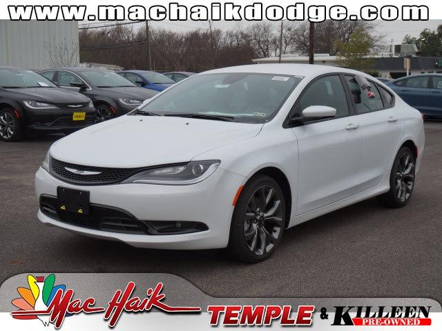 2015 Chrysler 200 S White Price includes 2000 - SW BC Retail Consumer Cash Exp 0202 1000