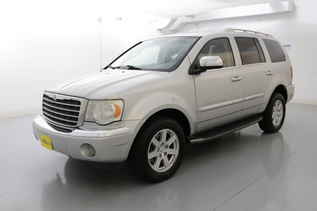 2007 Chrysler Aspen Limited Silver CLEAN CARFAX HISTORY REPORT      I knew that would get