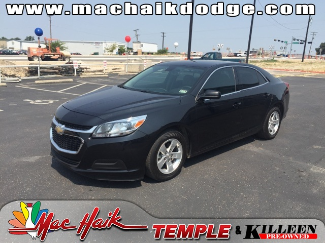 2014 Chevrolet Malibu LS Black 36 MPG HIGHWAY This 2014 Malibu is for Chevrolet fans who are y