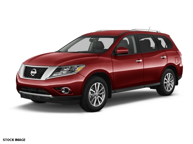 2014 Nissan Pathfinder SV Red 5577 Axle RatioCloth Seat TrimRadio AMFMRDSMP31CD Audio Syst