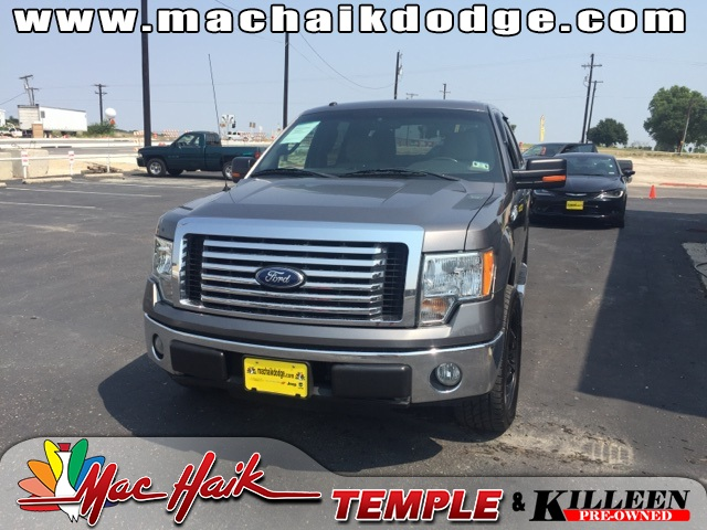 2010 Ford F-150 XLT Gray CLEAN CARFAX HISTORY REPORT XLT PACKAGE This attractive 2010 Ford