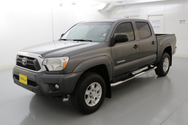2014 Toyota Tacoma PreRunner Gray CREW CAB FACTORY WARRANTY Are you looking for a reliable