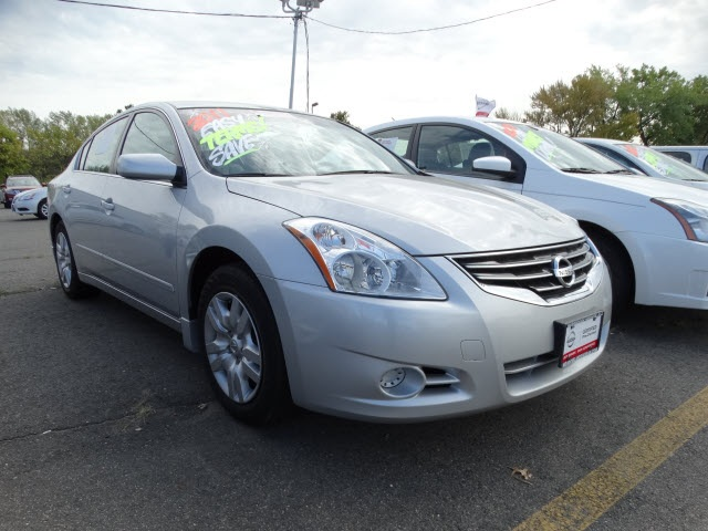 2011 Nissan Altima 25 S Silver Nissan Certified and CVT with Xtronic Controls are really dialed