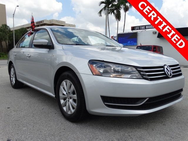 2015 Volkswagen Passat 18T Wolfsburg Edition Gray CLEAN CARFAX ONE OWNER LOW MILES